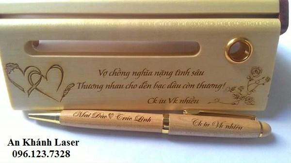 Khắc quà tặng bằng tia laser giá rẻ, chất lượng, lấy ngay tại Hà Nội