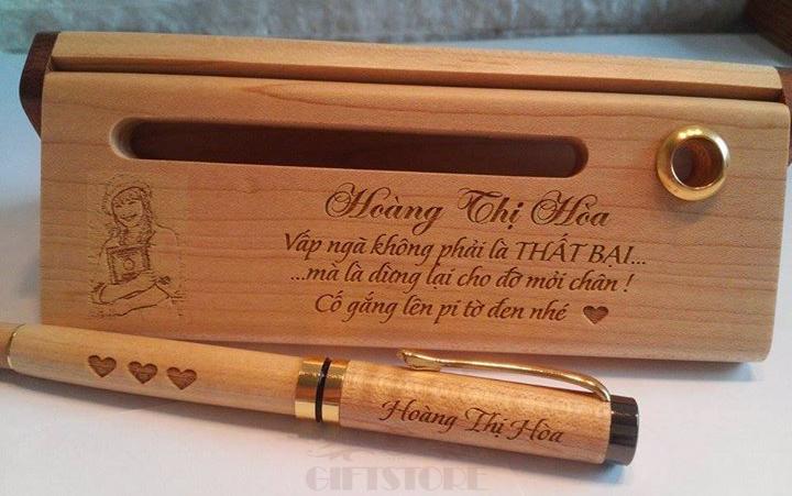 khắc bút gỗ giá rẻ