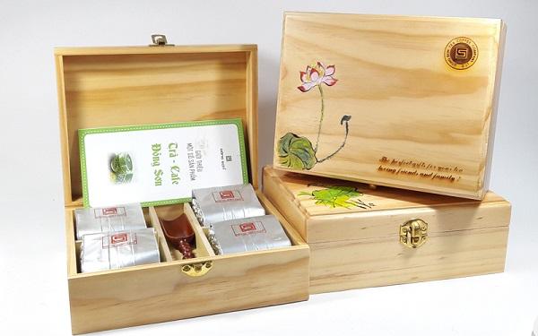 Khắc hộp gỗ theo yêu cầu Hà Nội