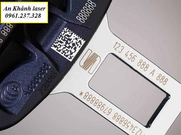 Khắc laser mã vạch trên inox