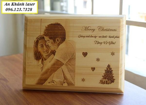 Quà tặng gỗ khắc laser theo yêu cầu