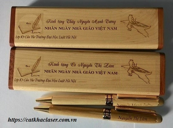 Quà tặng gỗ khắc laser nhân ngày 20-11