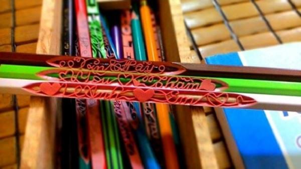 Bút chì khắc chữ bằng công nghệ laser