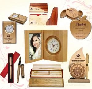 Chiêm ngưỡng những món quà tặng gỗ khắc laser ấn tượng