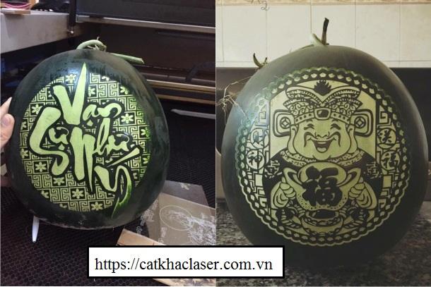 Dưa hấu khắc chữ cho Tết cổ truyền Việt Nam